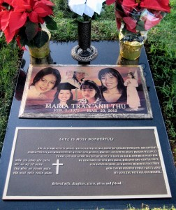 Bronze Lasting Memories Design in color on Jet Black Granite. Click to enlarge and again to maximize